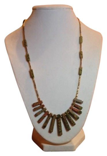 Preload https://img-static.tradesy.com/item/2013039/green-apricot-gold-safari-look-necklace-0-0-540-540.jpg