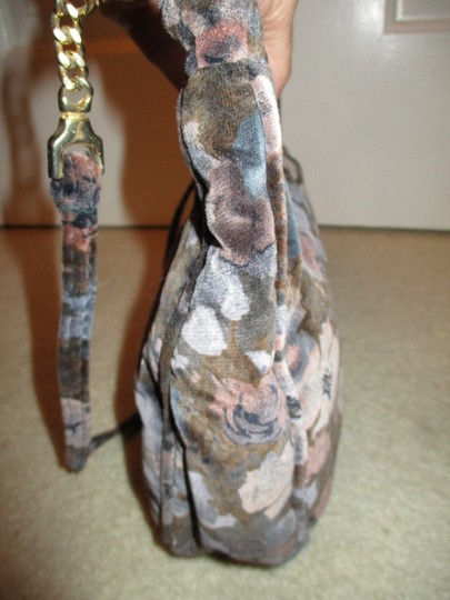Carpetbags of America Velvet Velour Floral Shoulder Bag Image 7