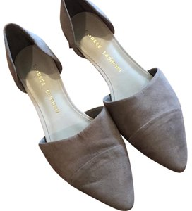 Chinese Laundry Taupe Flats