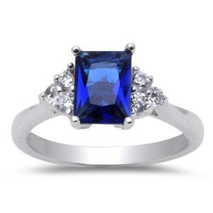 9.2.5 Adorable blue and white sapphire princess ring size 8