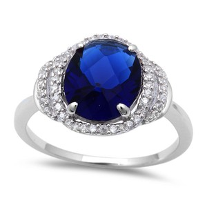 9.2.5 Beautiful huge blue and white sapphire royal cocktail ring size 8