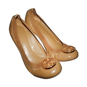 Tory Burch Tan Patent Leather Wedges