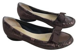 BCBGMAXAZRIA Brown Flats