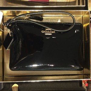 Coach Im/burgundy Chistmas Patent Leather F55739 Black Clutch