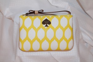 Kate Spade Leather Classic Wristlet in Yellow, White