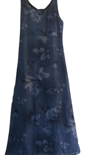 Preload https://img-static.tradesy.com/item/20133689/floral-mid-length-cocktail-dress-size-0-xs-0-1-650-650.jpg