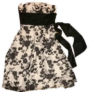 White House | Black Market Formal Silk Polyester Dress