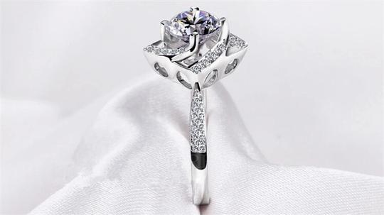 Silver And Aaa Zircon Engagement For Women Ring Image 3