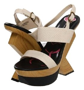Promiscious Beige Wedges