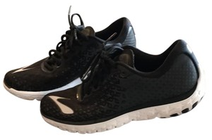 Brooks Black Athletic