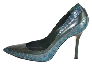 Manolo Blahnik Pointy Toe Size 38.5 Green Pumps