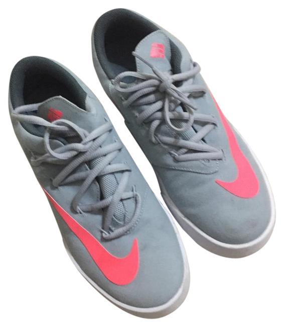 Item - Gray and Coral Sneakers Size US 8 Regular (M, B)