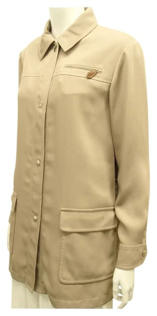Preload https://img-static.tradesy.com/item/2013610/hermes-beige-kelly-logos-botton-down-coat-size-10-m-0-1-650-650.jpg