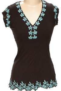 BCBGMAXAZRIA Embroidered Floral Contrast V-neck Top Brown