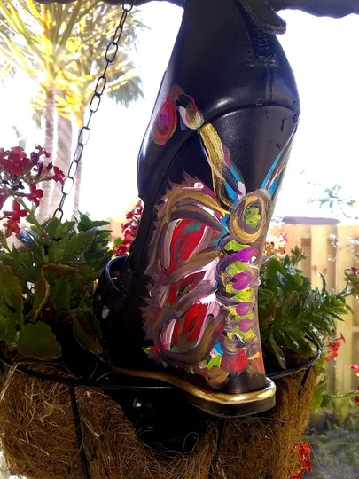 Guess Hand Painted Artisan Black Wedges Image 2