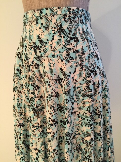 Other Summer Size Small Size 6 Flair Skirt Aqua/White/Black Image 1