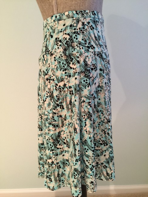 Other Summer Size Small Size 6 Flair Skirt Aqua/White/Black Image 3