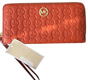 MICHAEL Michael Kors Wristlet in Orange