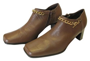 AJ. Valenci Leather Size 8.00 M Padded Footbed Very Good Condition Brown Boots
