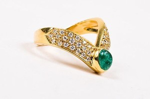 Vintage 18k Yellow Gold Emerald Cabochon Pave Diamond V Shaped Ring 5.75