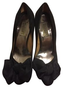 Badgley Mischka Classic Suede Heels Black Pumps