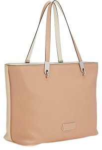 Marc by Marc Jacobs East / West Leather Colorblock Tote in Beige / Light Beige