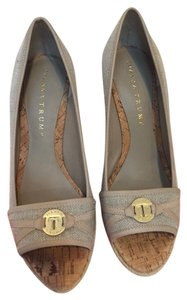 Ivanka Trump Size Taupe Wedges