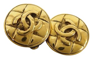 Chanel CC Quilted Earrings ( w/ Box ) 211306