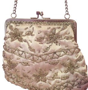 Walborg Wristlet in Cream