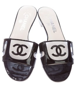 Chanel Camellia Interlocking Cc Logo Black, White Sandals