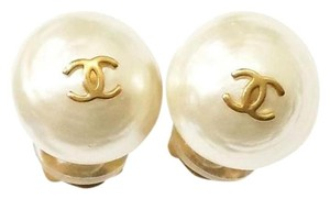 Chanel Authentic Vintage Chanel Gold CC Pearl Mini Clip on Earrings