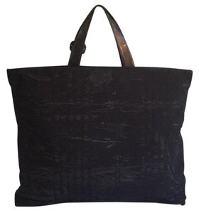 Burberry Tote in Blac