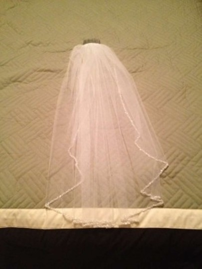 David's Bridal White Medium Mid Length with Beads and Sequins Bridal Veil