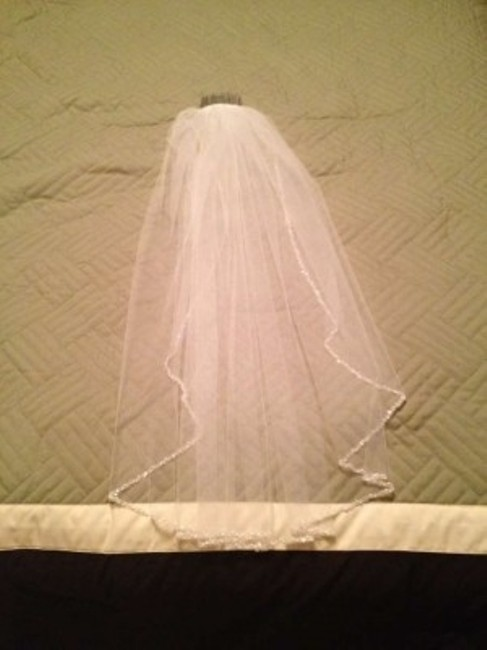 Item - White Medium Mid Length with Beads and Sequins Bridal Veil