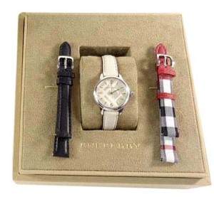 Burberry Burberry BU10112 Silver Swiss 3 Interchangeable Bands Watch Box Set