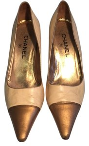 Chanel Beige/gold Pumps