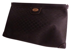 Gucci Excellent Vintage High-end Bohemian Hinged Style Opening Great Everyday Dressy/casual black small G logo print coated canvas and leather Clutch