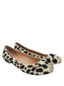 Marc by Marc Jacobs Cream and brown Flats