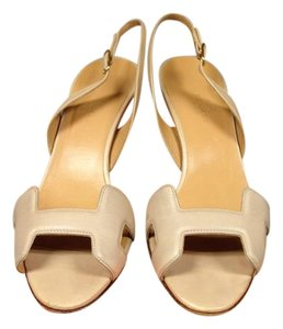 Herms Cream Pumps