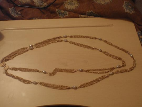 Unknown Custom necklace with pretty beads gold tone/plated Image 4