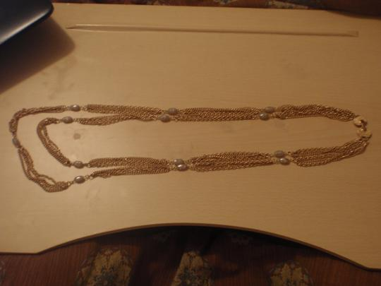 Unknown Custom necklace with pretty beads gold tone/plated