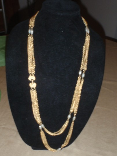Unknown Custom necklace with pretty beads gold tone/plated Image 7