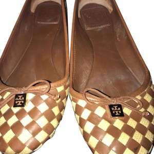 Tory Burch Tan and cream Flats