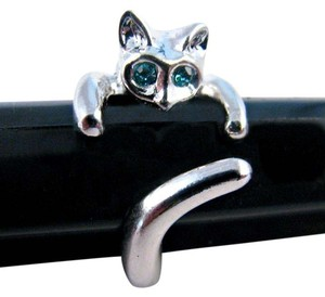 Beautiful Butterfly BNWT ~ Blue Eyes Adjustable Cat Ring