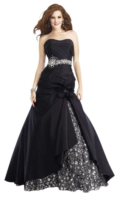 Preload https://item5.tradesy.com/images/black-new-strapless-gown-long-formal-dress-size-4-s-201479-0-0.jpg?width=400&height=650