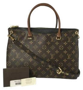 Louis Vuitton Pallas Noir Pallas Mm Shoulder Bag