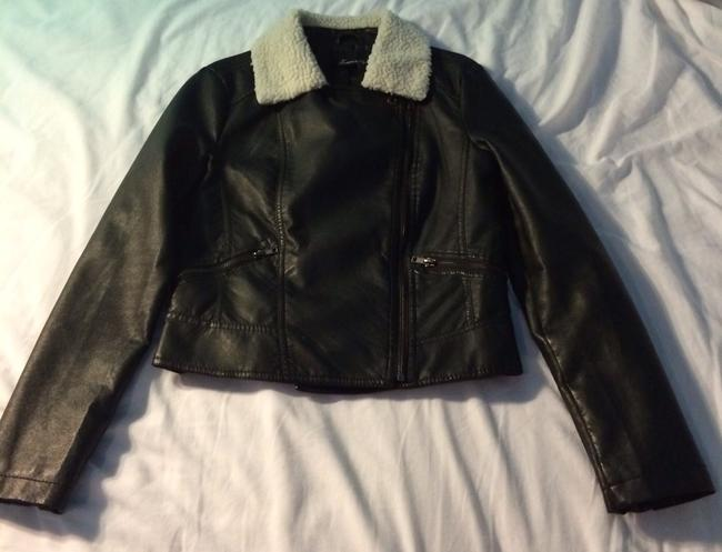Forever 21 Black With White Fleece Collar Jacket