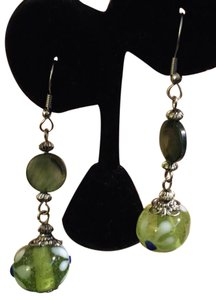 Murano Vintage Green MOP Disc Murano Glass Bead Dangle Silver Wire Earrings