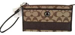 Coach SIGNATURE BROWN ZIP AROUND WRISTLET WALLET NEW RARE