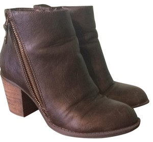 Diba Brown Boots